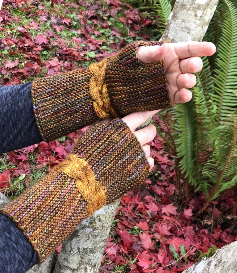 Golden Braid Rapunzel Mitts - Cat Bordhi's Fingerless Mitts Knitting Patterns provides you with 9 folios and 25 patterns.