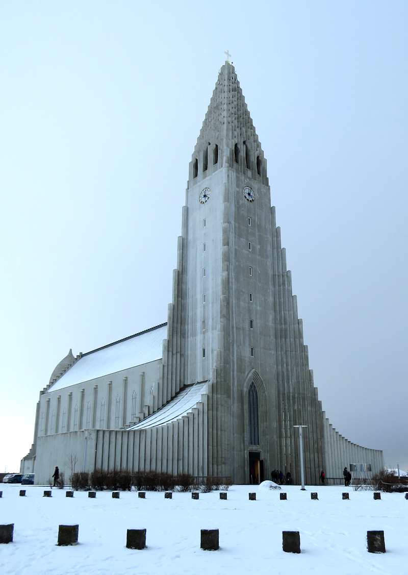 Hallgrimskirkja Phil snow