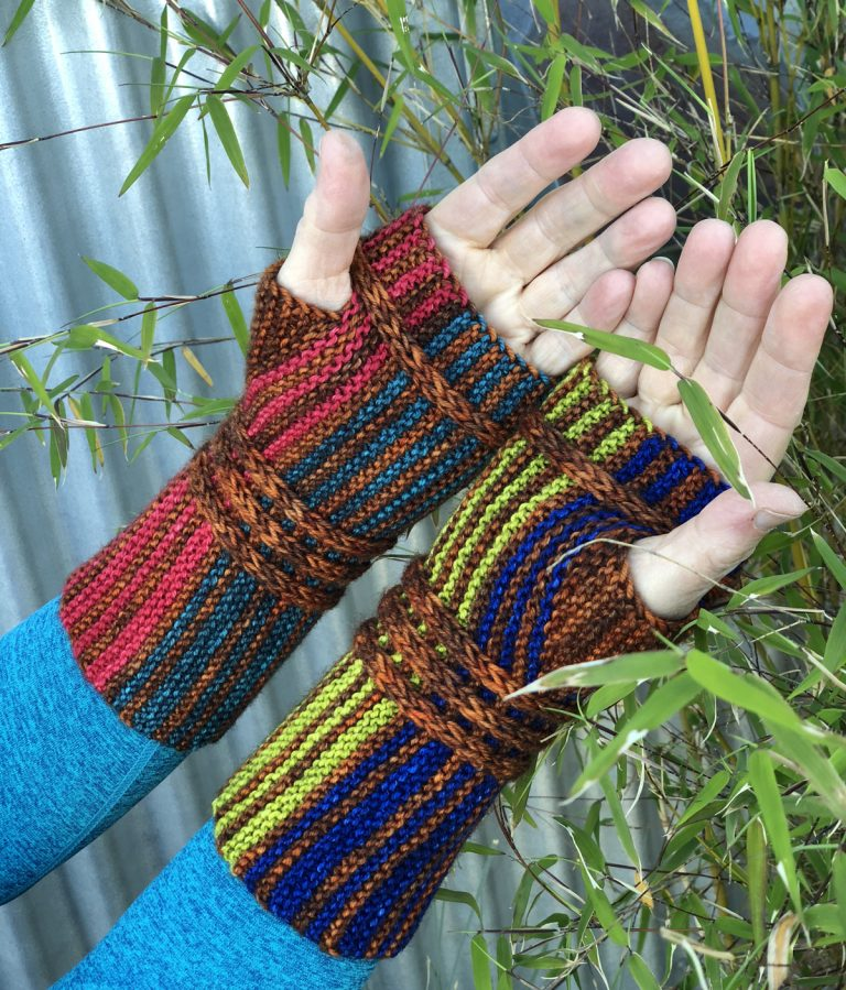 Stash-Buster Mitts - Cat Bordhi's Fingerless Mitts Knitting Patterns provides you with 9 folios and 25 patterns.