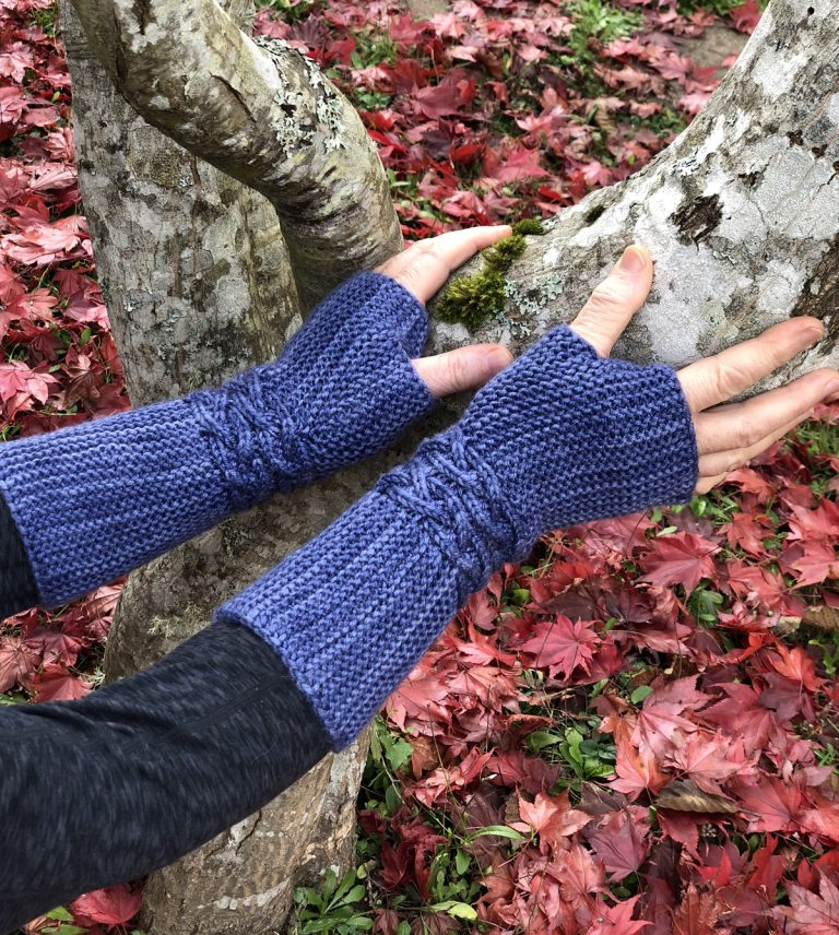 Windblown Waves Mitts - Cat Bordhi's Fingerless Mitts Knitting Patterns provides you with 9 folios and 25 patterns.